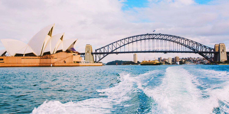 Cruise Sydney Harbour luxury yacht