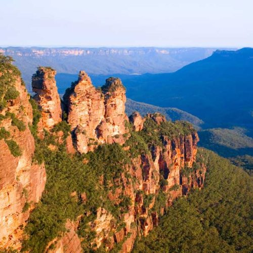 The stunning Three Sisters on your Private Blur Mountains Tour from Sydney